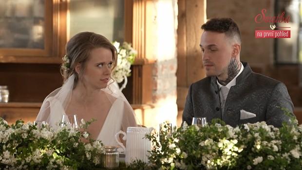 Tak tohle nevěsta nečekala! Na koho ženich žárlil pár minut po obřadu?