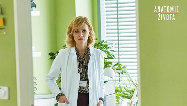 Primářka Marta zkolabuje vnemocnici. Podaří se ji zachránit?