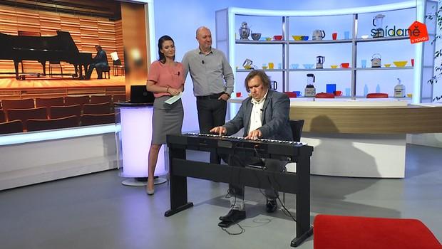 Naprostá paráda! Klavírní improvizátor předvedl ve Snídani s Novou neuvěřitelný výkon