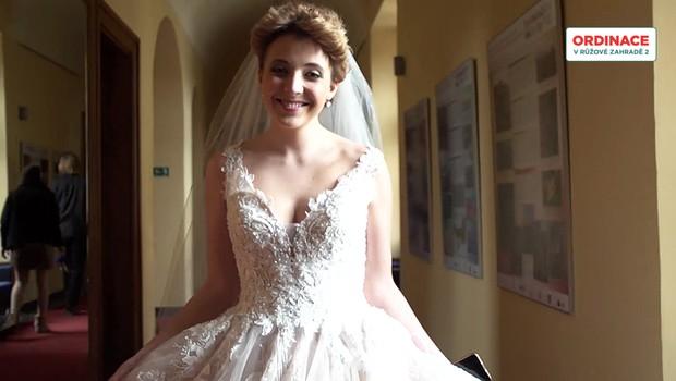Anička Slováčková byla na svatbě nervózní! Co ji tak překvapilo?