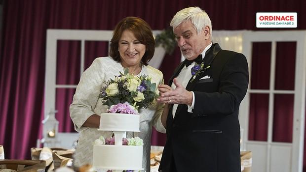 Jak vypadala svatba Eduarda a Běly? Neuhodnete, kdo jim tam kradl!