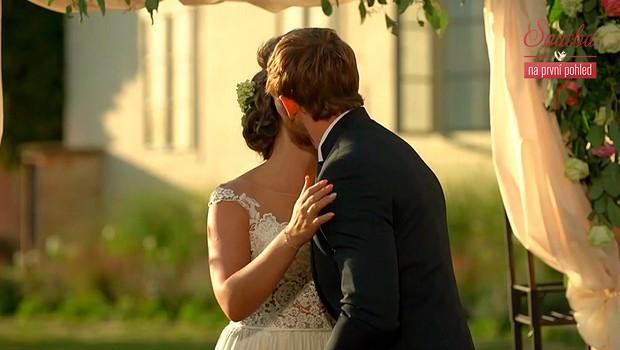 Blízcí nevěsty a ženicha: První polibek bude chtít on!