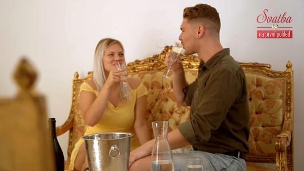 Je to totálně bláznivý! Co dalšího si o svatbě myslí blízcí Simony a Radka?
