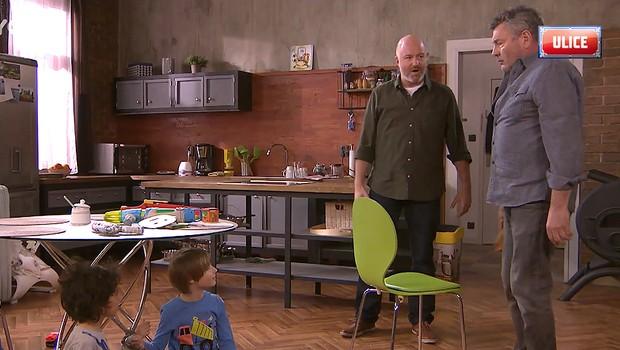 Miloš si došlápne na Hermana! Proč najde děti v poutech?