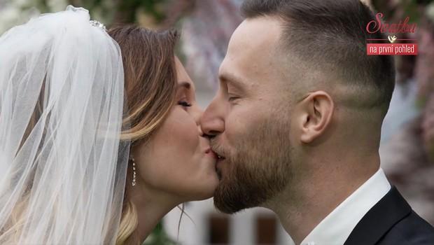 Nevěsta ženicha odrovnala! Co si řekl, když ji poprvé uviděl?